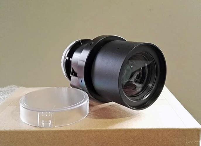 Panasonic LCD PT - EW540 (lentille d'origine)